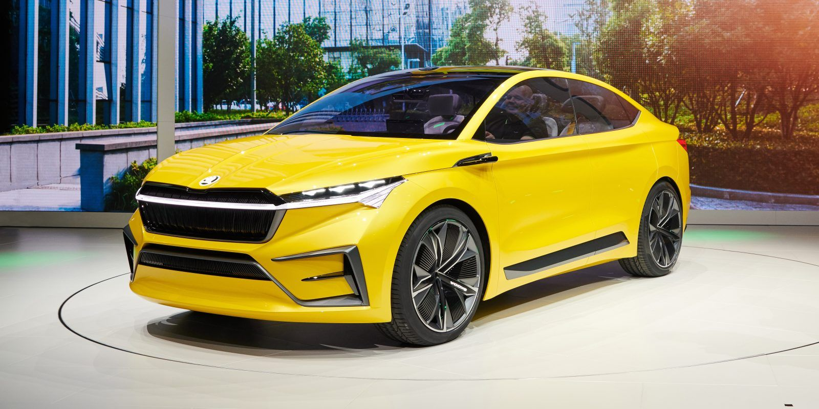 Skoda Debuts All Electric Vision Iv Concept Skoda Unveiled Its