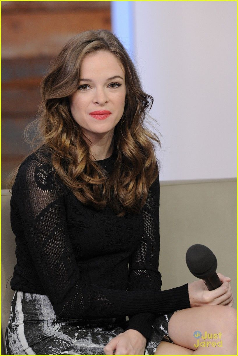993dbe241bbc7 DANIELLE PANABAKER - Google Search Caitlyn Snow