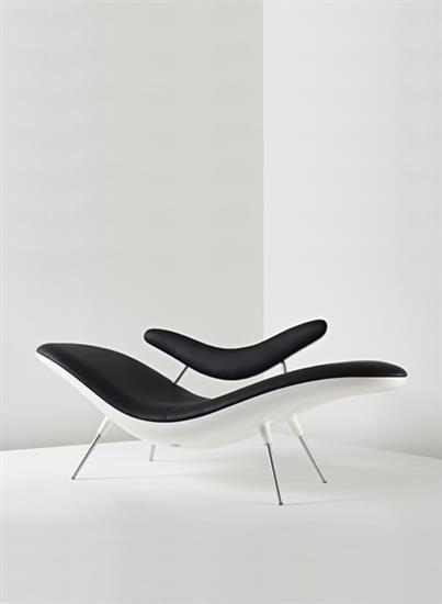 Smile Chaise Longue In Black White Long Chair Liegestuhl Chaise Longue Design Peter Harvey Furniture Design Chair Design Chaise Longue
