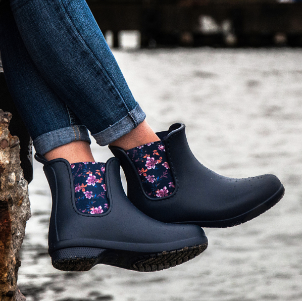 4a1541b9119275 Shuperb present a lightweight chelsea style boot made from water proof  croslite