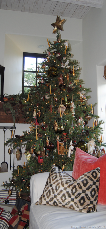 Rough Luxe Lifestyle Using Indigenous Organic Materials To Enhance Your Home For The Traditional Christmas Decorations Holiday Decor Beautiful Christmas Trees