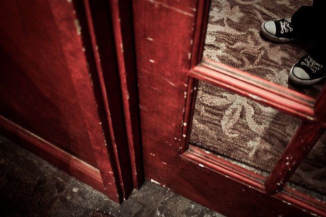 reflection #door #converse #shoes