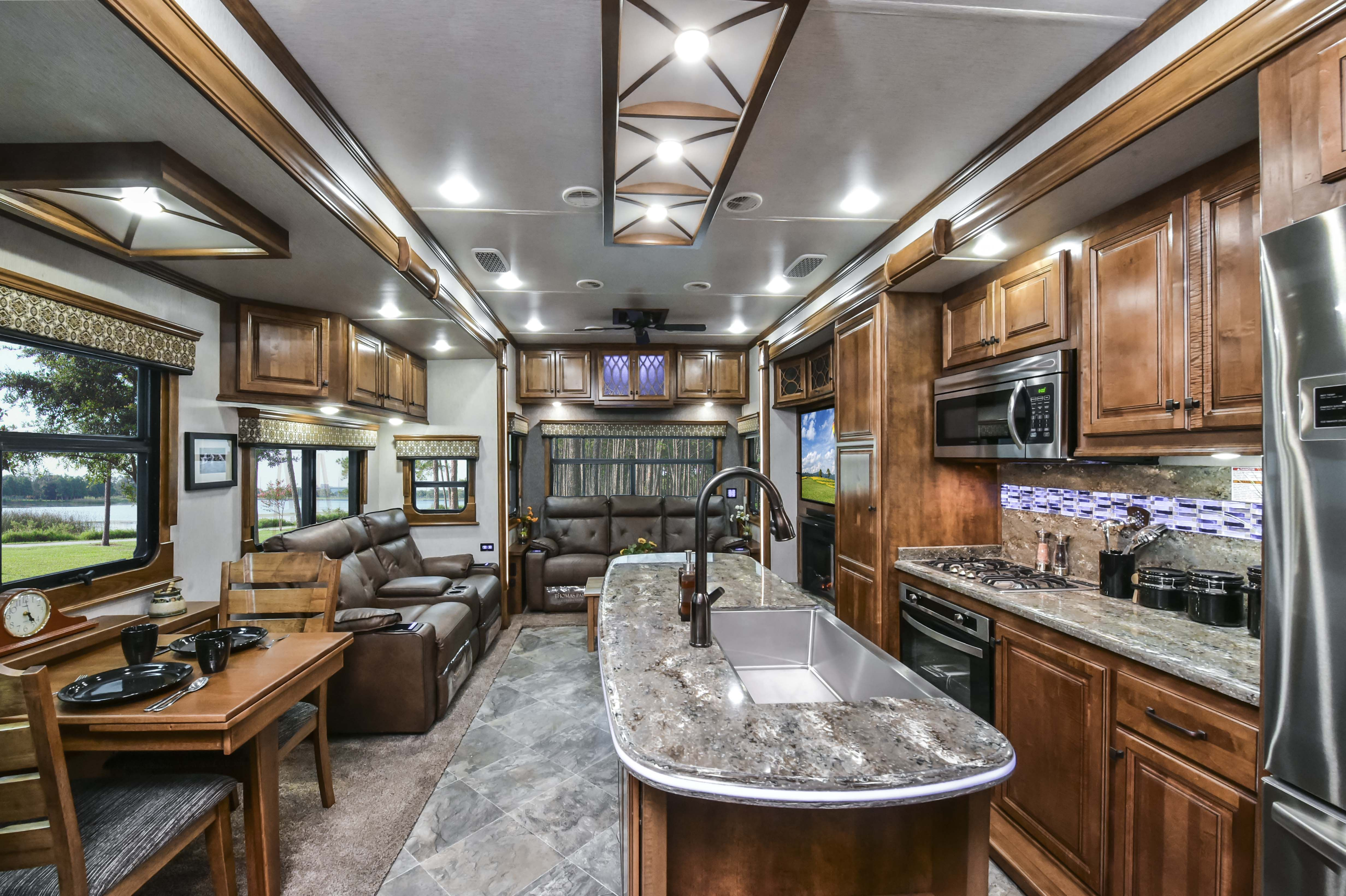 Lm Newport Big Country Fifth Wheel Interior Lighting