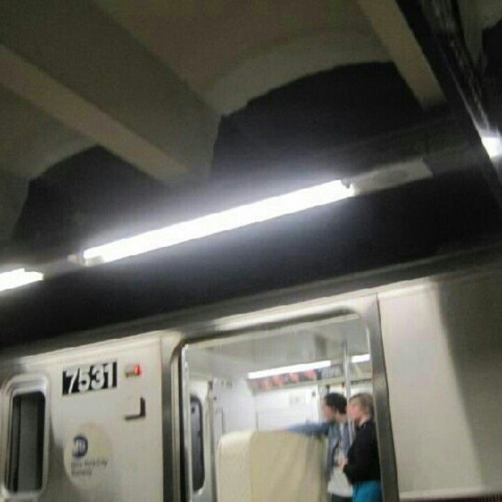Moving A Mattress In New York City On The Subway Subway Train Subway Train