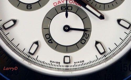 Dòng chữ Swiss Made in trên mặt đồng hồ thụy sĩ