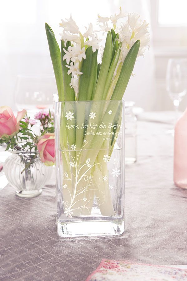 tisch dekoration zum muttertag vase mit einer. Black Bedroom Furniture Sets. Home Design Ideas