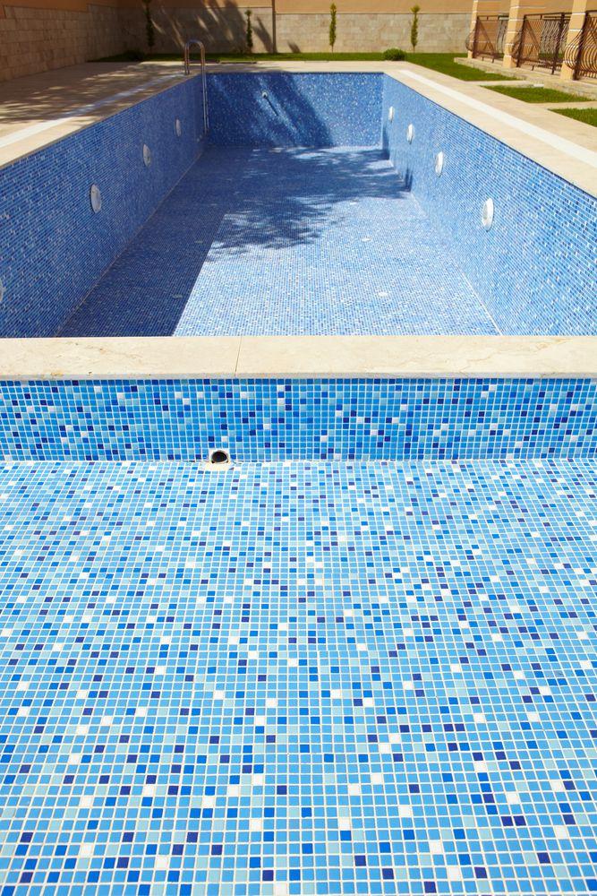 Fully Tiled Pool, Tropical Pools, Australia | Cool Pool Mosaics in ...