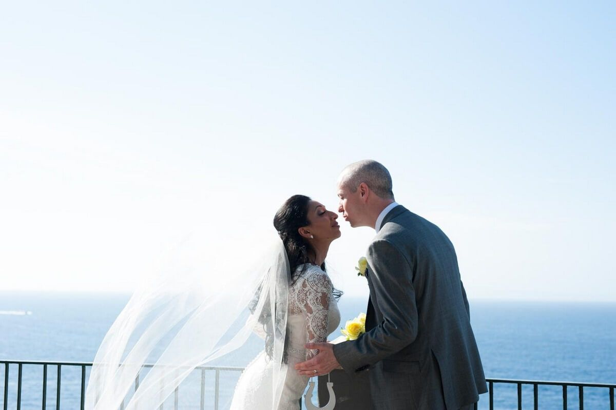 The beautiful 2 day wedding of Seema and Duncan, starting with an elegant ceremony at the Cloisters of San Francesco and a relaxed pizza party by the beach.  #lemon #green #sorrento #cloisters #indianwedding #beach #pizzaparty #2daywedding #hinduceremony #civilceremony #destinationwedding