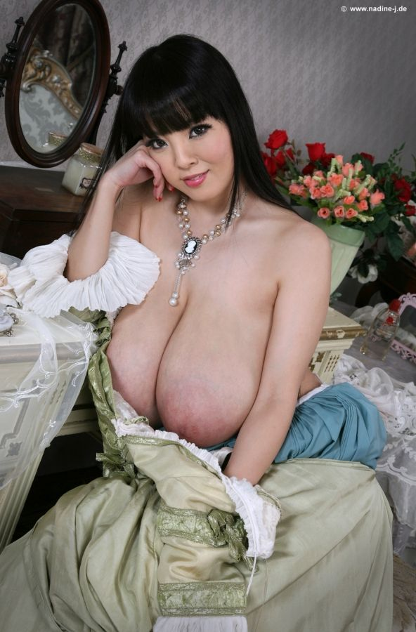 hitomi tanaka christopher hallex pinterest boobs and
