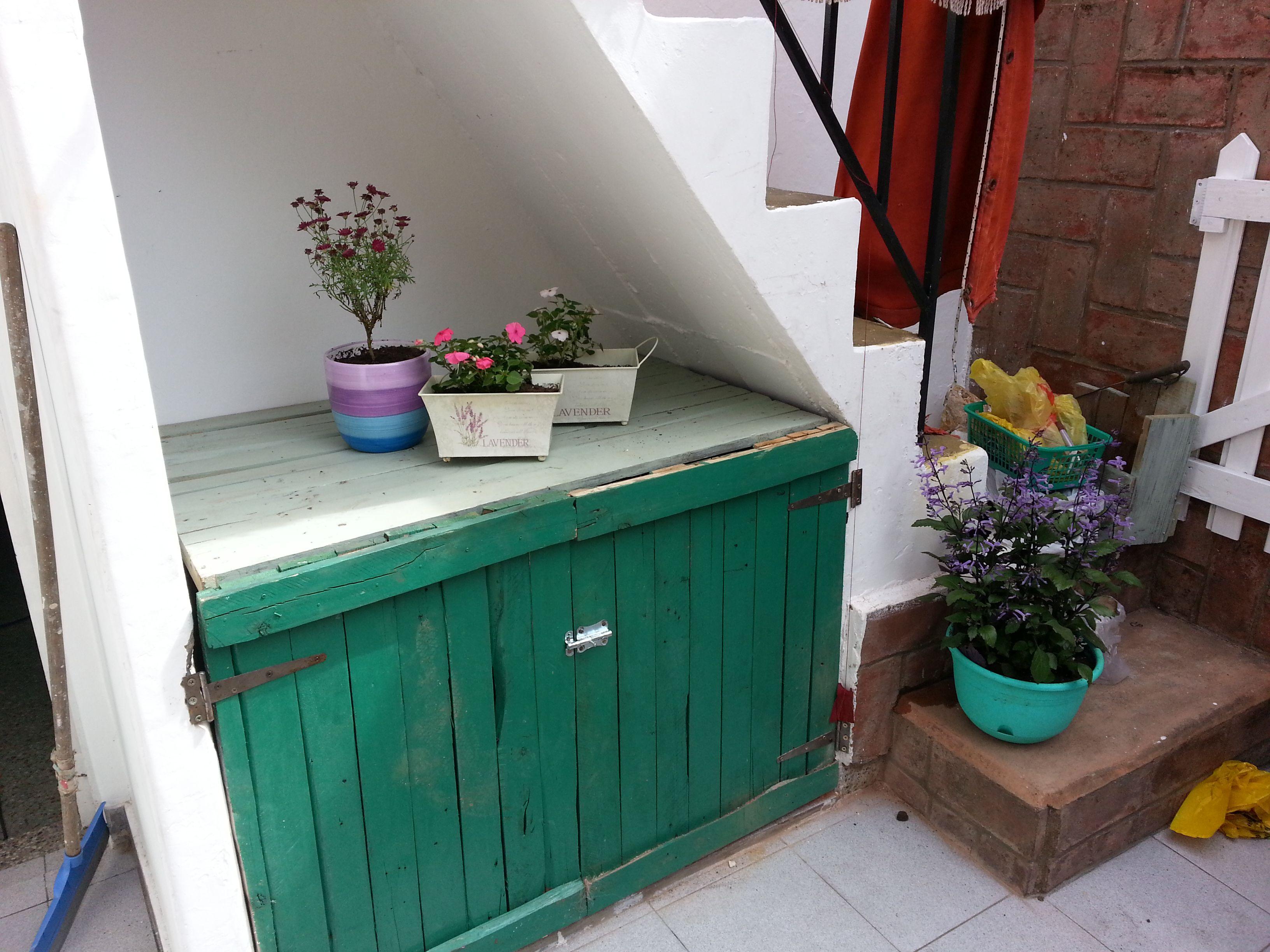 Muebles hechos con madera de pallet pintados a mano mi - Muebles de madera pintados a mano ...