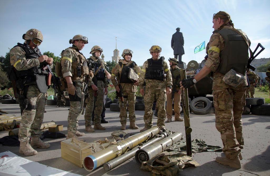 Ukrainian government soldier