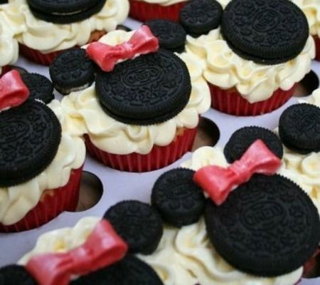Disney Inspired Baby Shower Cupcakes for Girls - Minnie Oreo