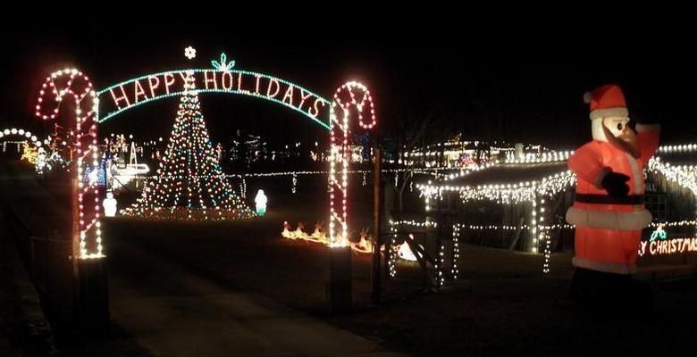 Nettles Family Christmas Lights | Rockmart, GA 30153 between ...