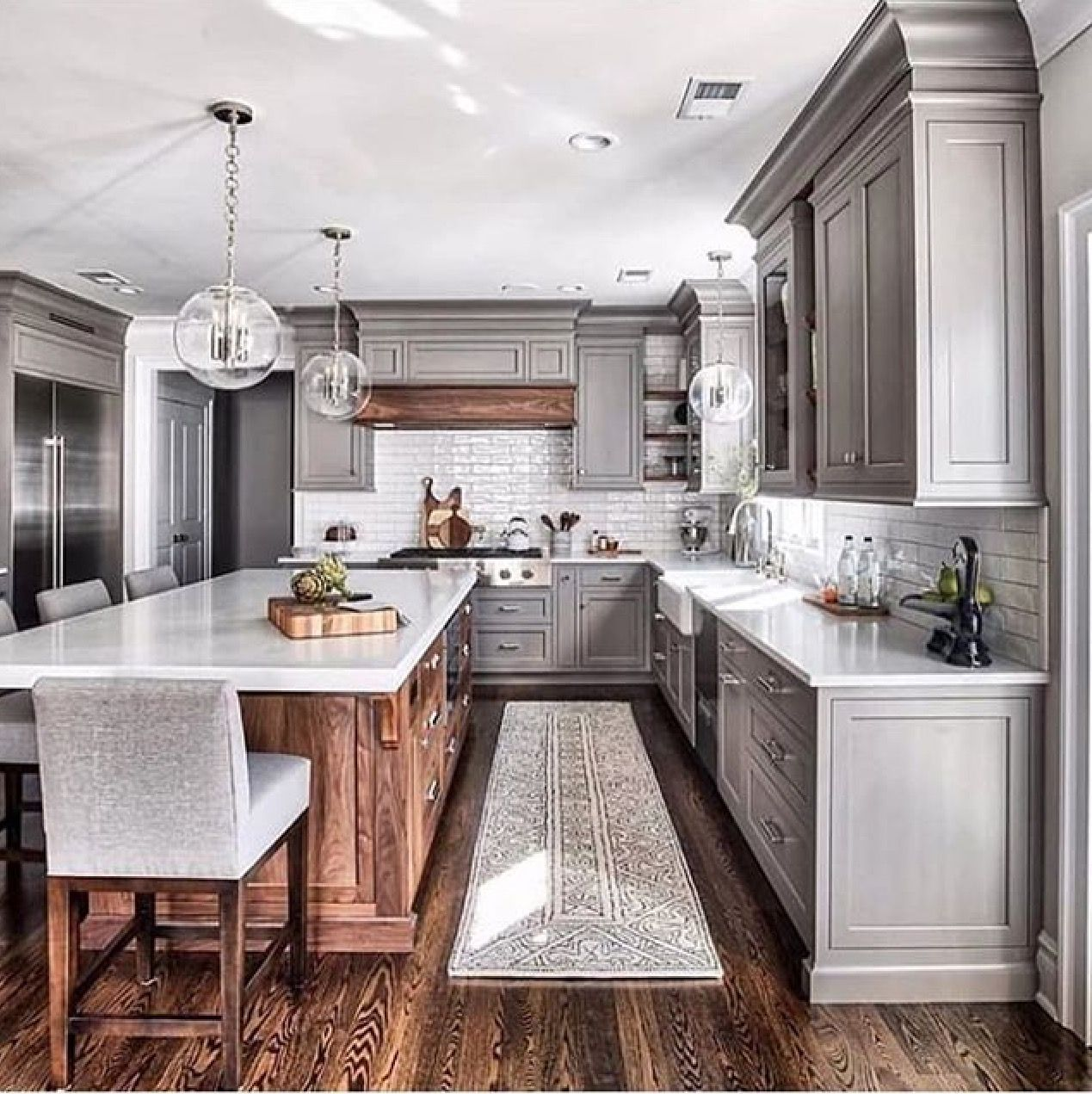 Pin By 𝒂𝒍𝒚𝒔𝒆𝒍𝒂𝒏𝒂𝒆𝒆 On Interiors Projects Farmhouse Kitchen Remodel Kitchen Remodel Small Grey Kitchen Designs