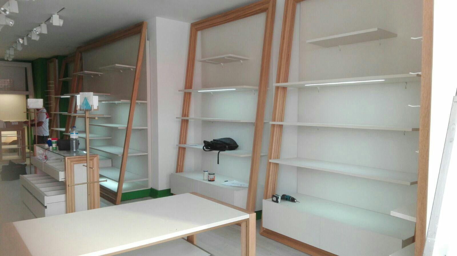 Montaje de muebles en canarias montadores equipamiento comercial en canarias pinterest - Montadores de muebles autonomos ...