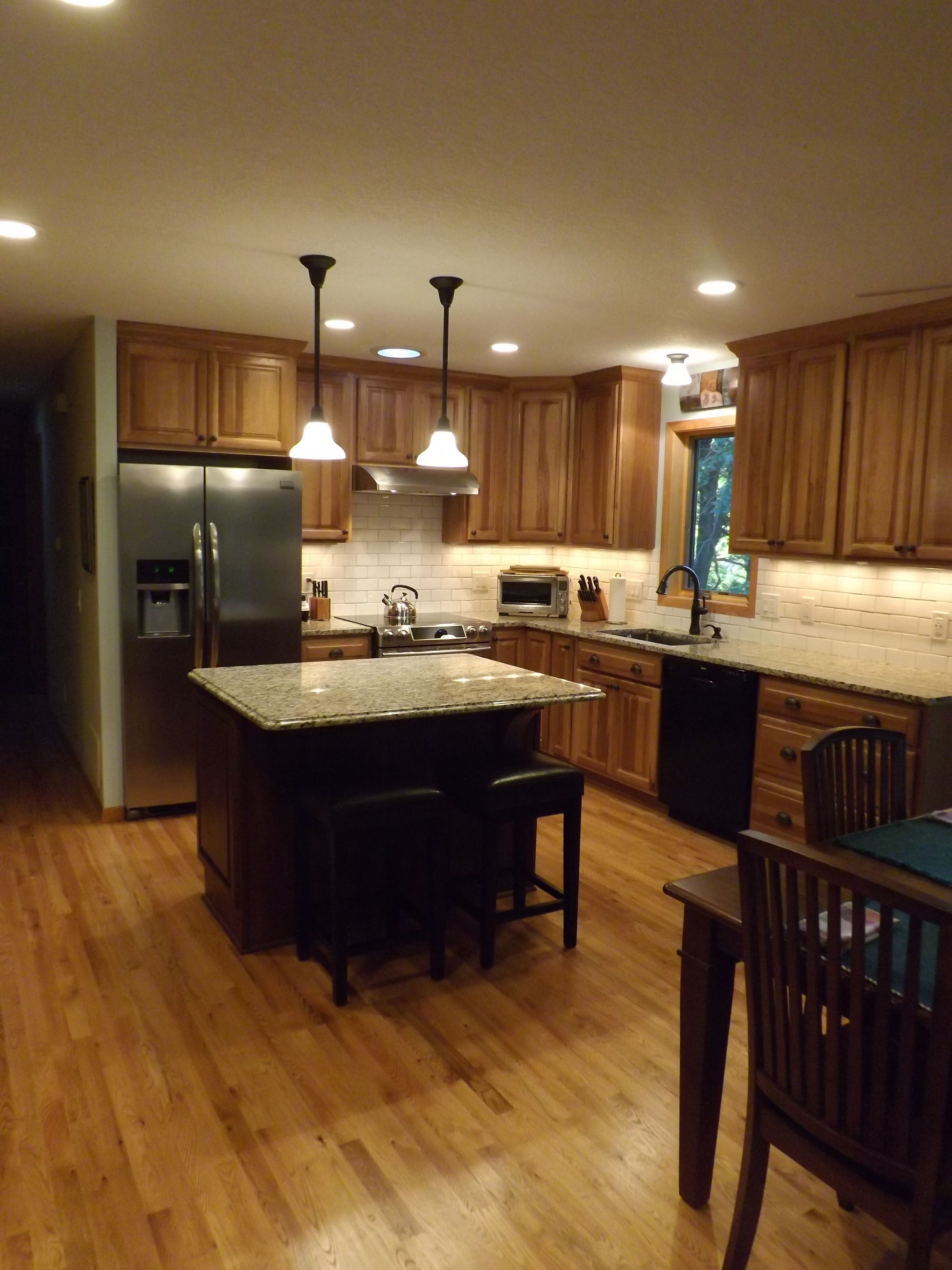 Kitchen With Granite Counter Tops Hickory Cabinets And