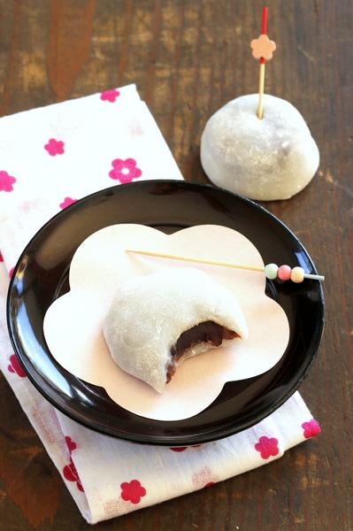 Le Daifuku Est Une Patisserie Traditionnelle Japonaise Il S Agit De Riz Gluant Fourre A La Pate De Haricot Rouge En 2020 Recette Mochi Haricot Azuki Gateau Asiatique