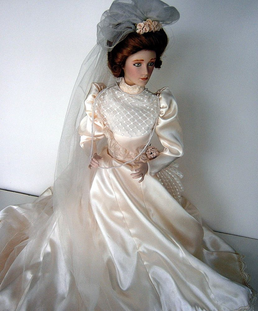 House of Lloyd Dolls Bride