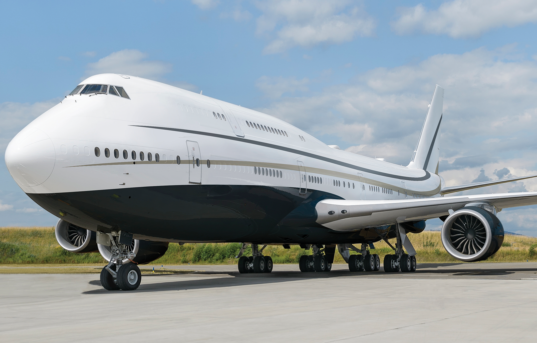 Travel With Peace Of Mind Amid Any Crisis Emergencies Or Pandemics With Boeing S Luxurious 747 8 Vip By Greenpoint Pu Luxury Private Jets Boeing Private Jet