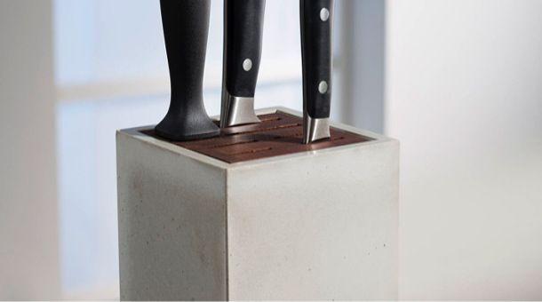 Außen Beton - innen Holz - Messerblock im puristischem Design - designer betonmoebel innen aussen