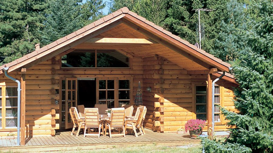 A great log cabin home for vacation home or year round for Single story log cabin homes