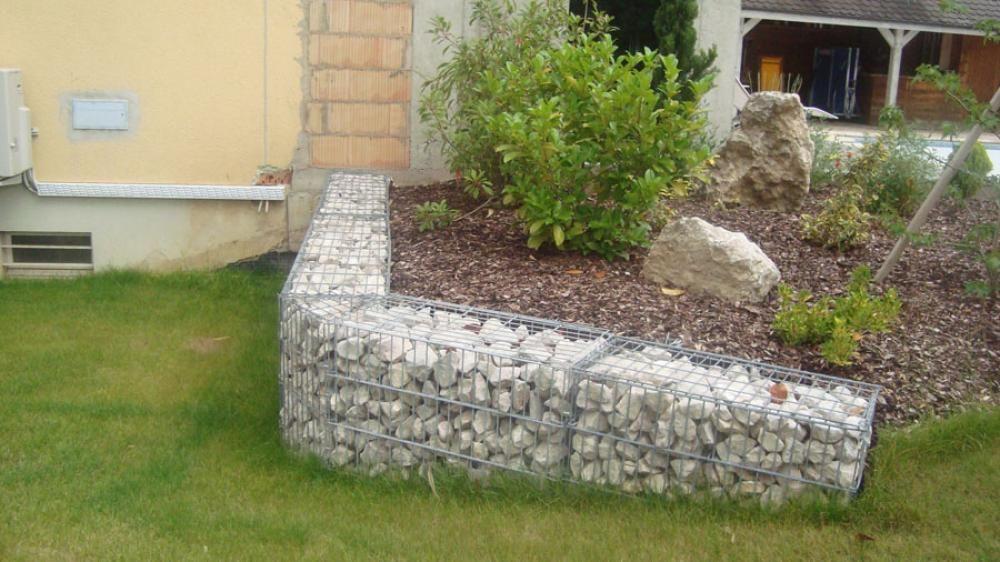 mur structure metallique pierre recherche google murs portails et grillages garden et plants. Black Bedroom Furniture Sets. Home Design Ideas