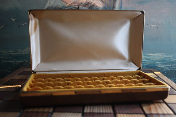 Vintage Hard Case Mele Jewelry Box for Earrings