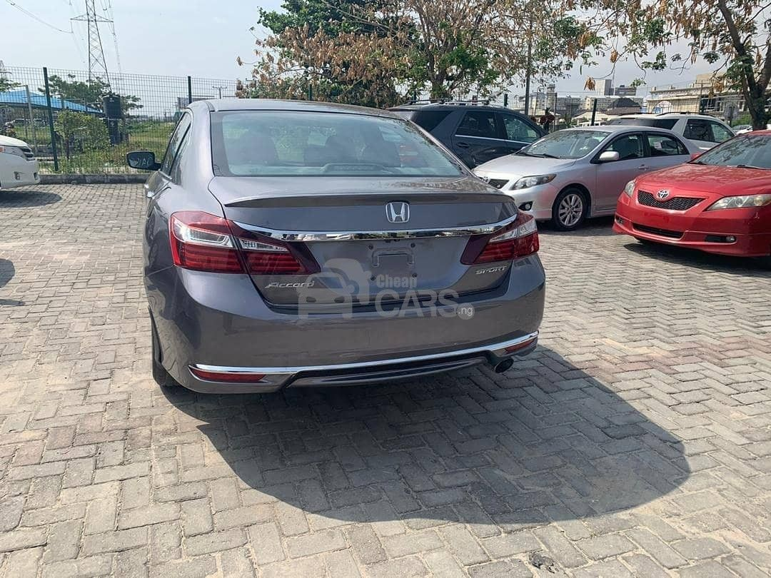 Find the best used 2017 Honda Accord near you (With images