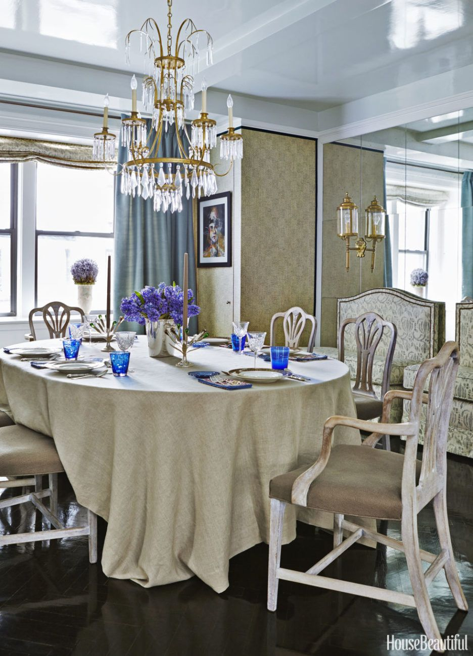 Classic Dining Room Concept Feature Wooden Dining Chairs And Gold Classy Classic Dining Rooms Design Ideas