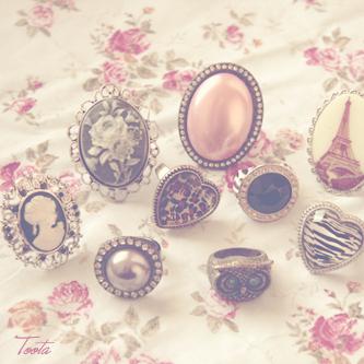 اروع خلفيات ناعمة للبلاك بيري اجمل خلفيات رقيقة للبلاك بيري Girly Rings Jewelry Girly