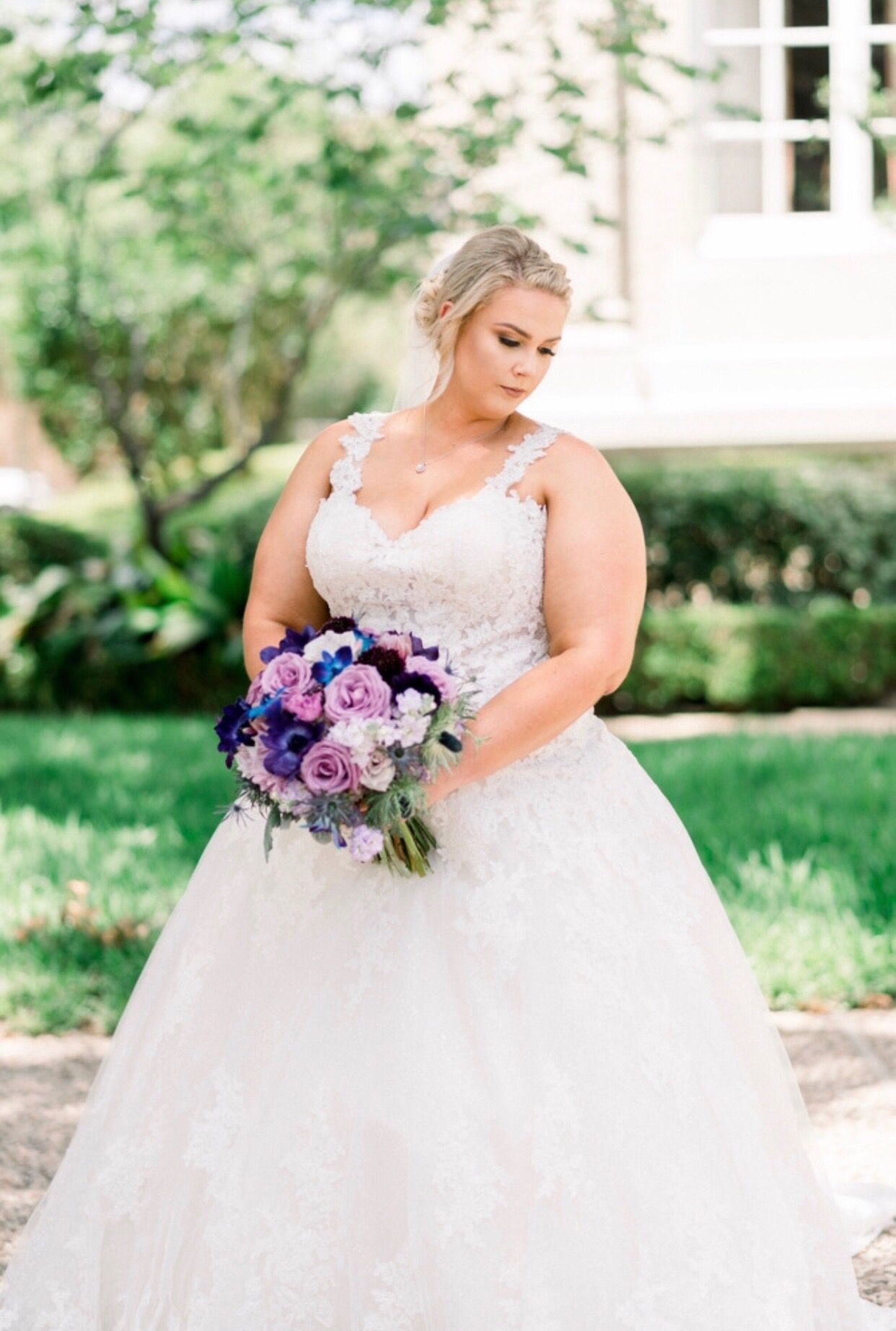 Our RealBride Erin looked perfect in her Sophia Tolli