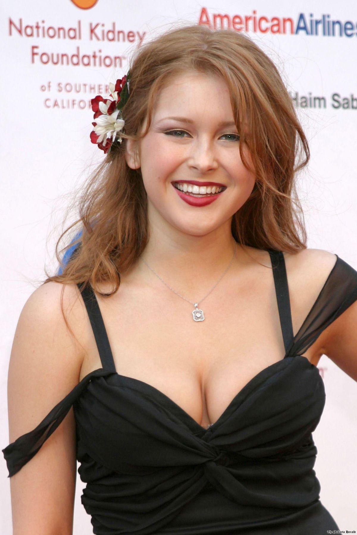 Renee olstead hot naked (29 photos), Cleavage Celebrity image