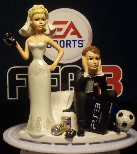 Video Game FIFA 13 OR 14 Football Soccer Bride And Groom Funny Wedding Cake Topper On