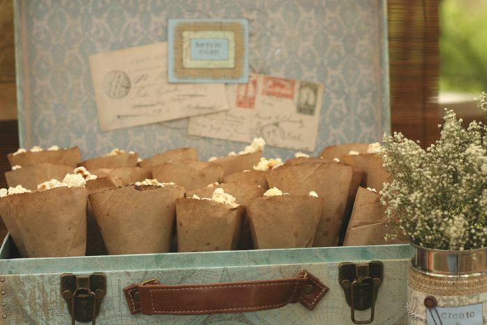 love this vintage styling + presentation of popcorn : )