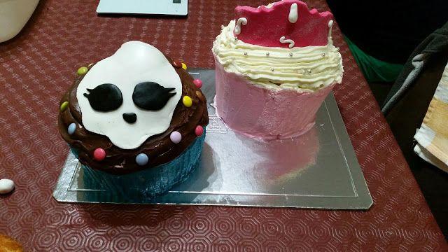 Sims Cake Shop: Bolo aniversário cupcake