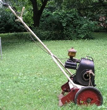 The Old Motorized Reel Mower You Started It And It Went We Had 3 4 Acre And Once We Let It Go And Watched It Mow All Over Lawn Mower Rotary