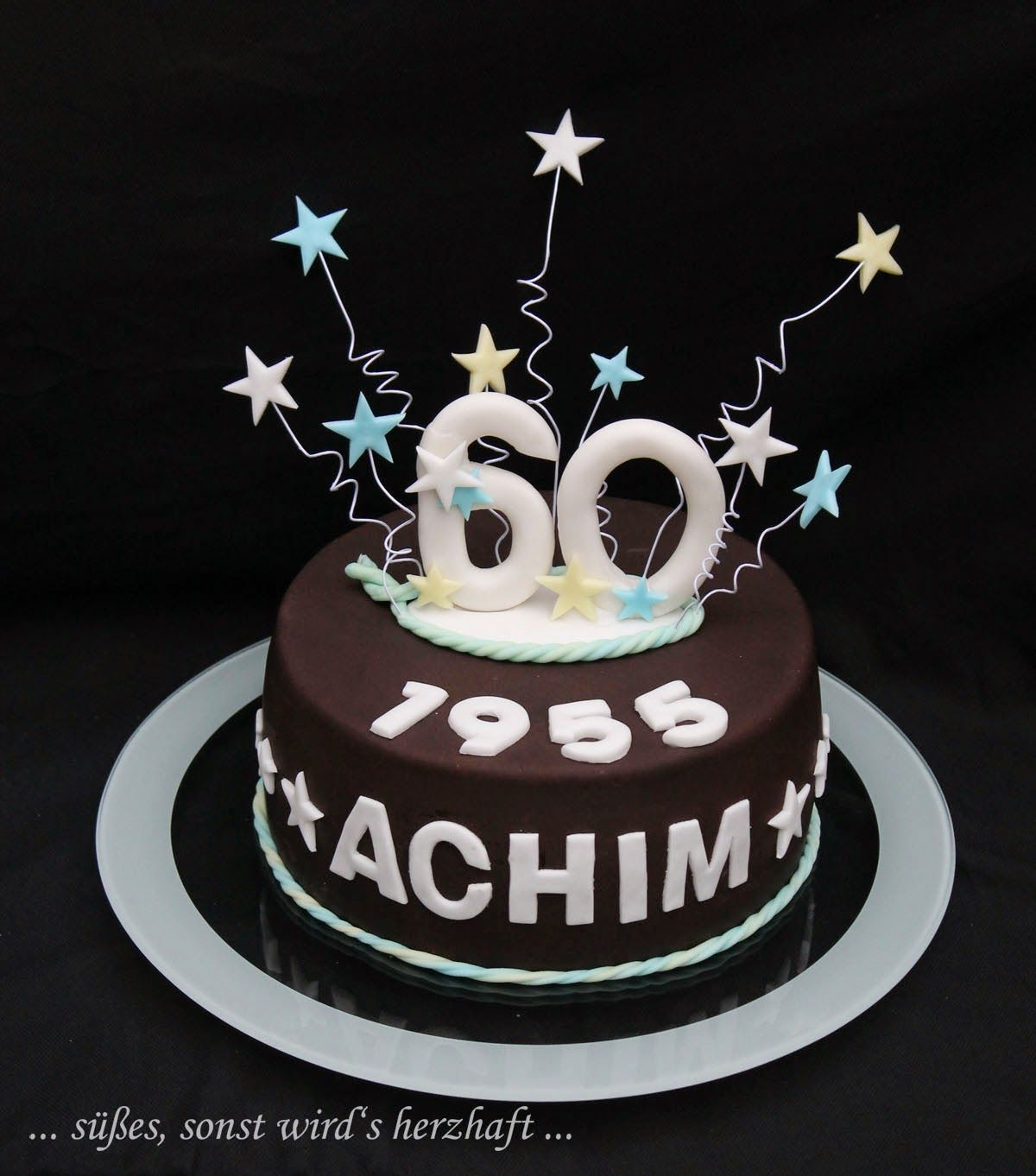 Pin Von Nhóc Xinh Auf Banhs In 2019 60th Birthday Cakes Diy