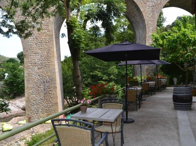 Terrasse pont - Chambre d\u0027hôtes Maison Sous le Pont à MEYRAS - Gites De France Avec Piscine Interieure