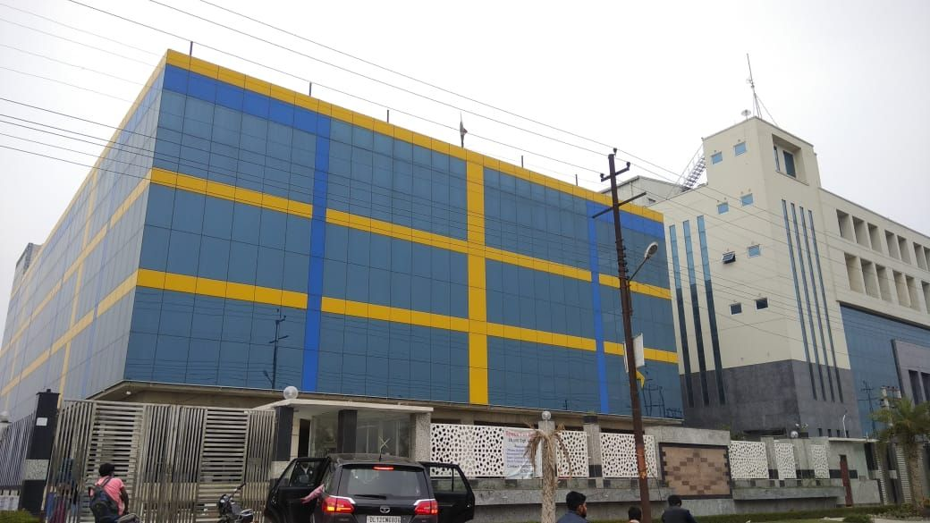 World Class Industrial Property In Noida At Economical Rental Property For Rent Industrial Buildings Property