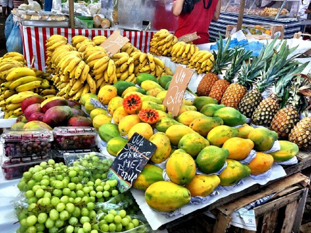"Fruit and vegetable market "" Feira Livres"" Rio for You"
