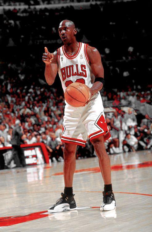 1cc0befba456 Michael Jordan Calling the Shots!