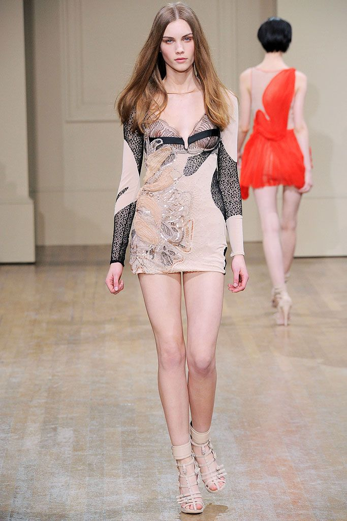 Julien Macdonald Fall 2010 Ready-to-Wear - Collection - Gallery - Style.com