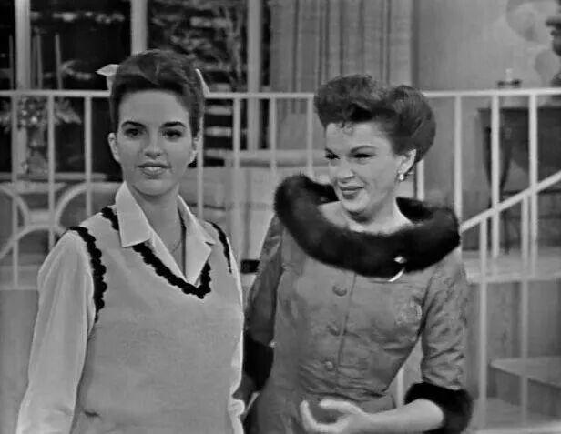 1963 Judy Garland and 17 yr old Liza Minnelli