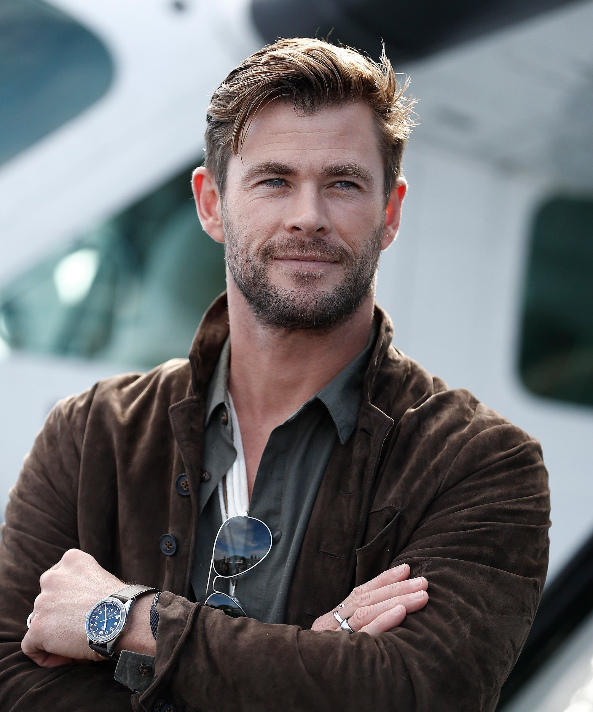Chris Hemsworth God Of Thirst Traps Doesn 8217 T Know He 8217 S One Either Refinery29 Https Www Refinery Chris Hemsworth Hair Chris Hemsworth Hemsworth