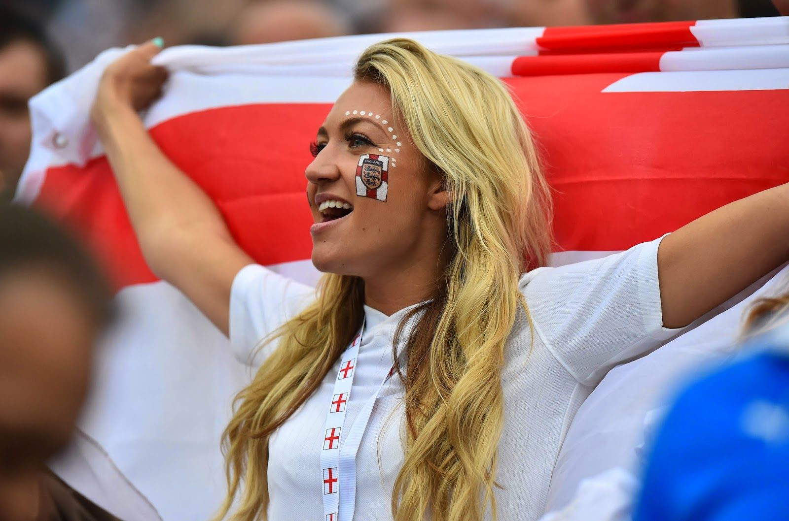 England Fan Is Pictured Before The Start Of The Group D Football Match Between Uruguay And England At The Corinthians A Fifa World Cup World Cup World Cup 2014
