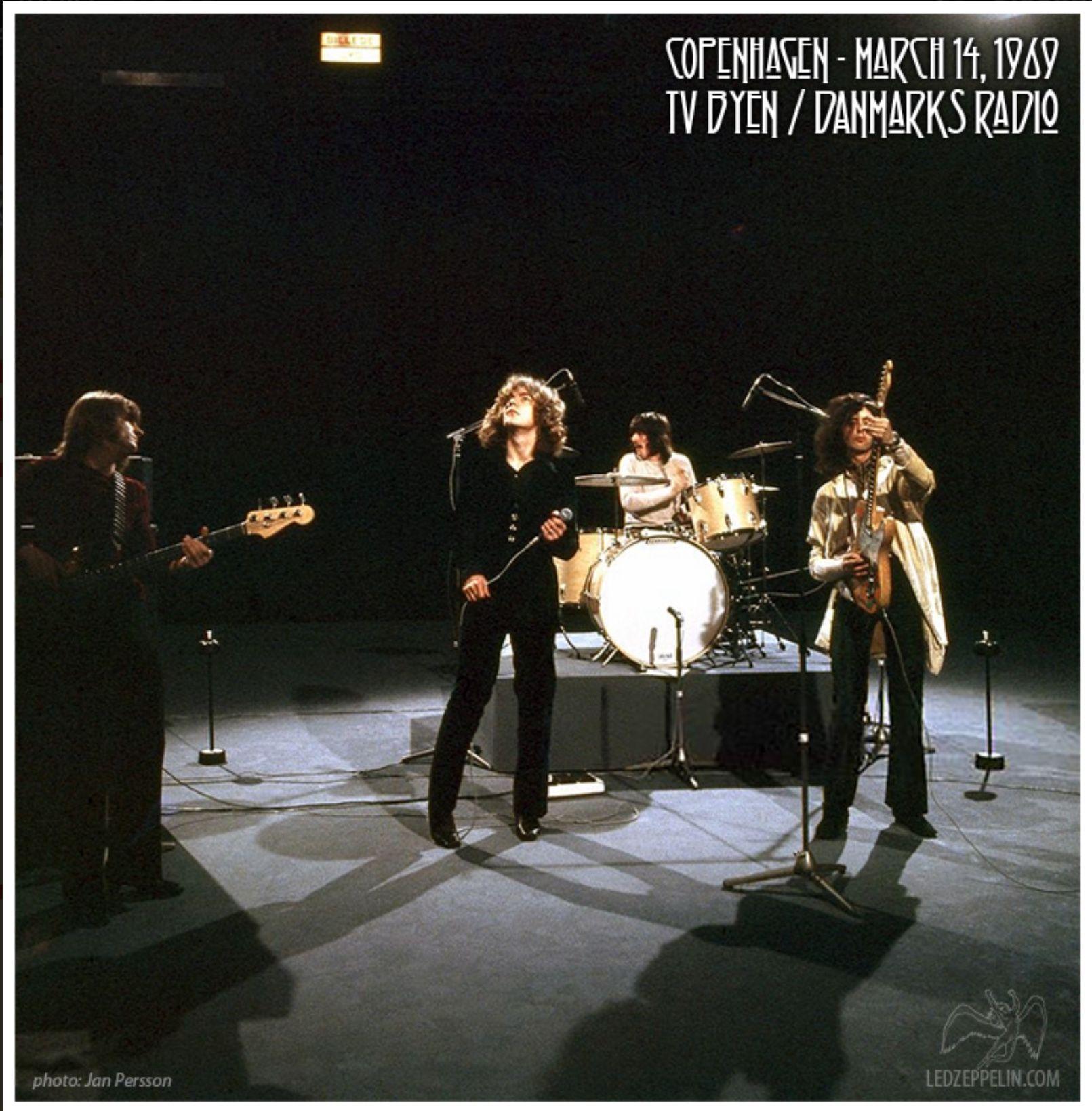 Pin By Masa On Led Zeppelin Led Zeppelin Zeppelin Led Zeppelin Live