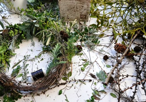 I'm dreaming of a Wild Christmas... wreath with herbs and other greens. Tutorial with pictures