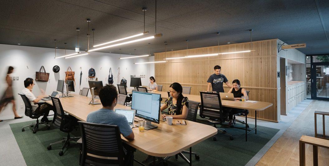 Airbnbの新しい「東京オフィス」がめちゃ開放的! | オフィスのワークスペース. コワーキング. オフィス