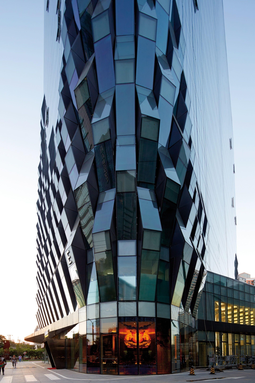 Galer A De Jing Mian Xin Cheng Spark Architects