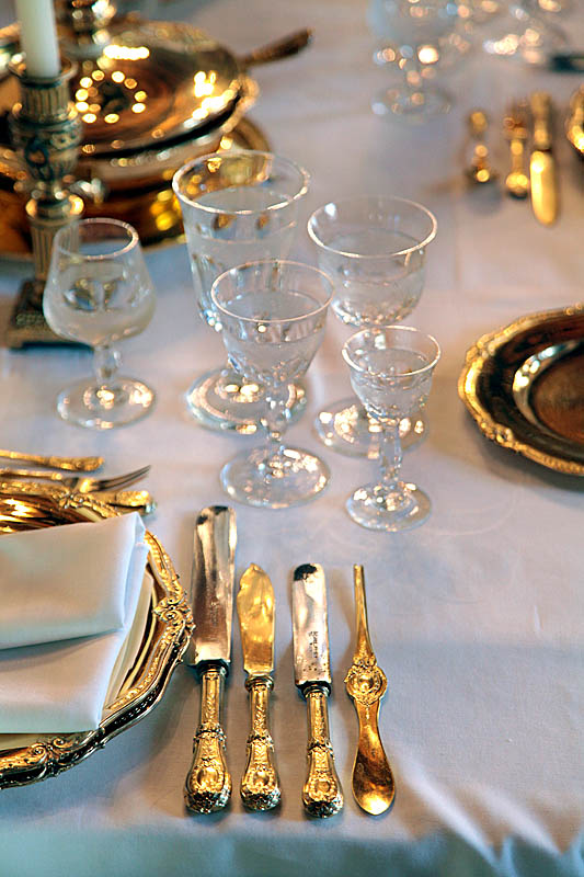 Img 2240w The Royal Family Of Serbia Elegant Table Settings Table Setting Etiquette Formal Dining Tables